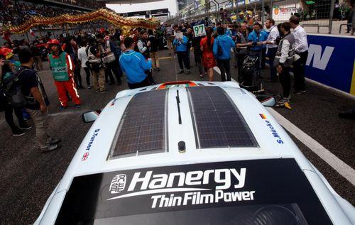 汉能太阳能汽车亮相 李河君困境中求变高清图片