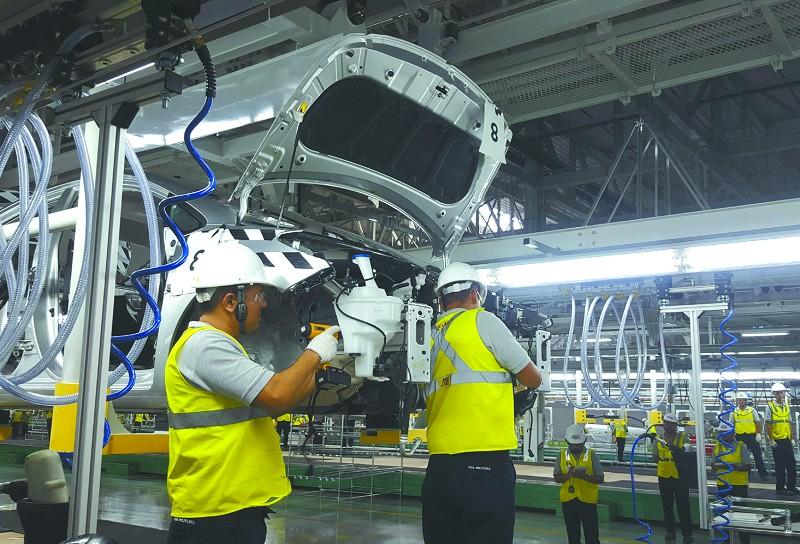 图为韩国现代起亚集团在墨西哥的汽车生产线.东方IC供图-汽车产业高清图片